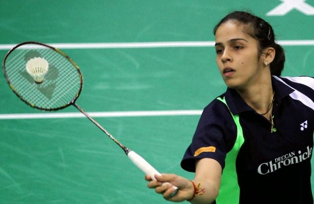 Saina Nehwal defeated Indonesia's Dinar Dyah Ayustine 17-21, 21-18, 21-12 in a Round of 16 clash at the Macau Open.