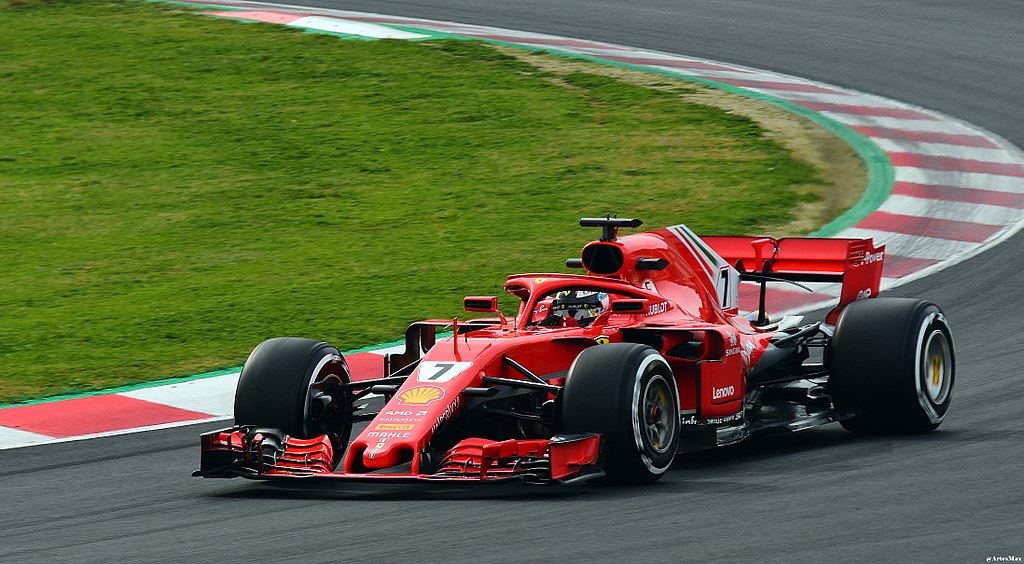 Raikkonen to stay at Ferrari
