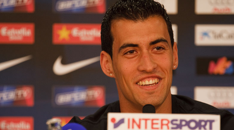 Busquets signs new contract with FC Barcelona