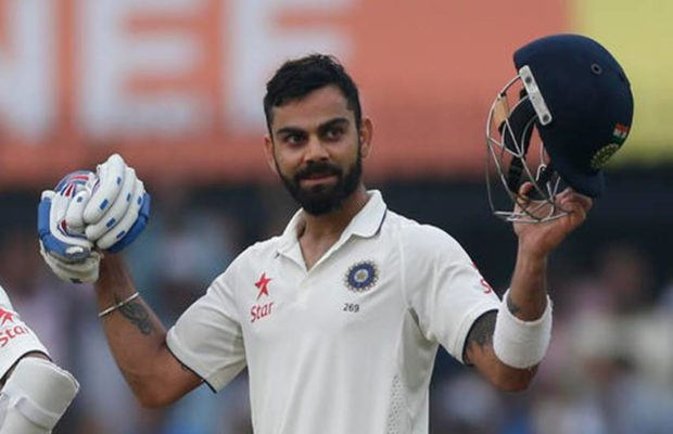 Fans violate rules to get clicked with Virat Kohli
