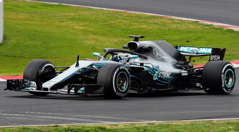 Mercedes rear wheel holes