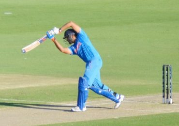 Rohit Sharma signals the crowd to chant 'India India'