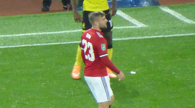 Luke Shaw signs new contract