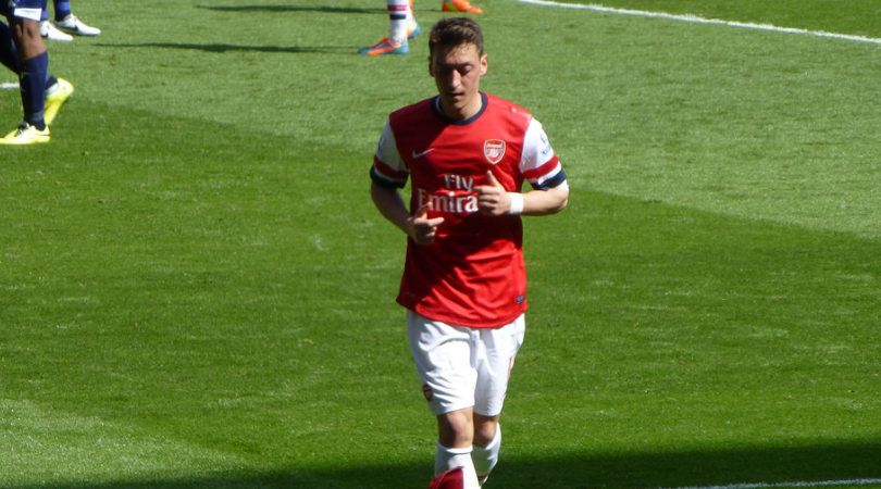 Mesut Ozil angry at being substituted