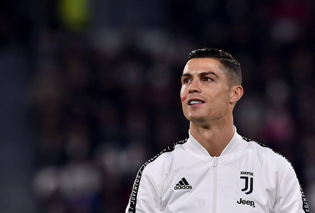 Juventus crowd screams 'siuuu'