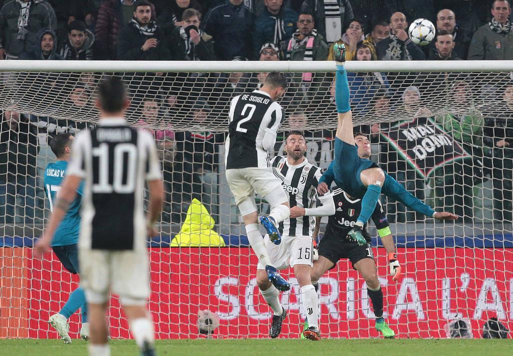 Buffon's reaction to Ronaldo's overhead kick