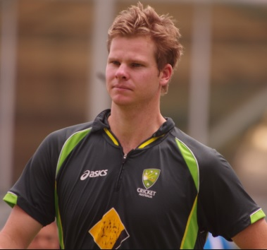 Steve Smith plays the helicopter shot