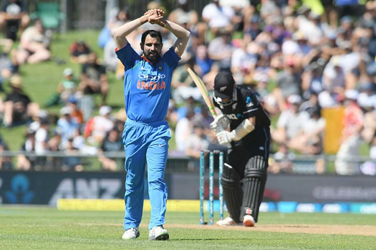 Mohammad Shami dismisses Colin Munro