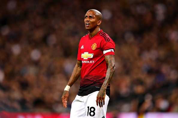 Ashley Young to sign a new contract