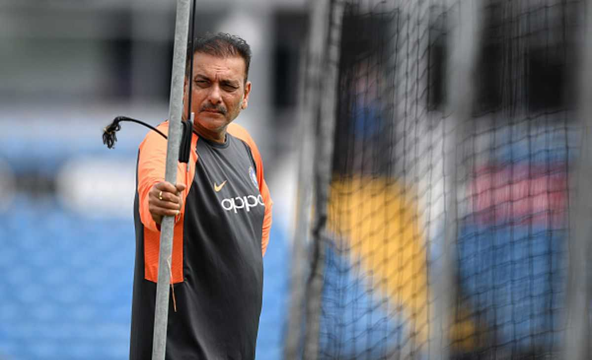 Shastri on Pant speaking to Dhoni