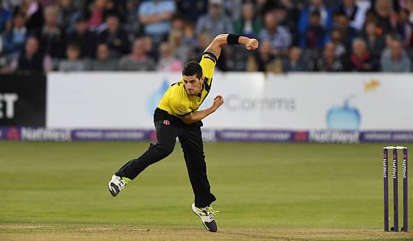 de Villiers assures Benny Howell of participation in IPL