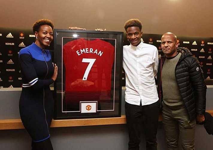 Manchester Unied sign Noam Emeran
