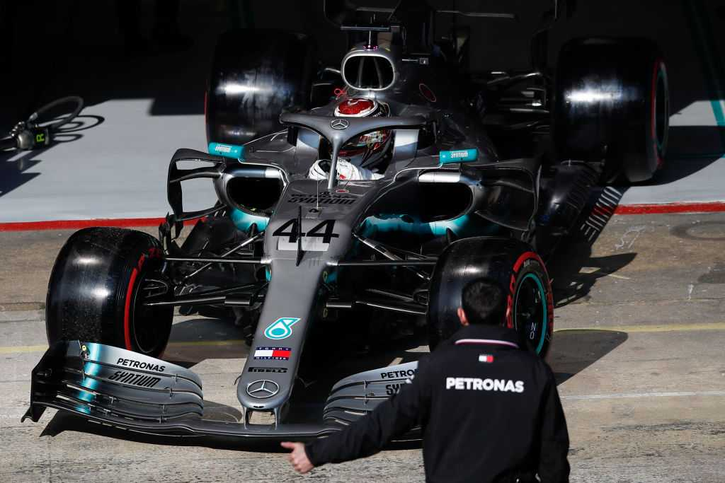 Mercedes to use two specs for 2019 F1 season, according to Will Buxton