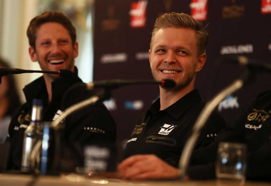 WATCH: Kevin Magnussen and Romain Grosjean awkwardly unveil Haas 2019 livery