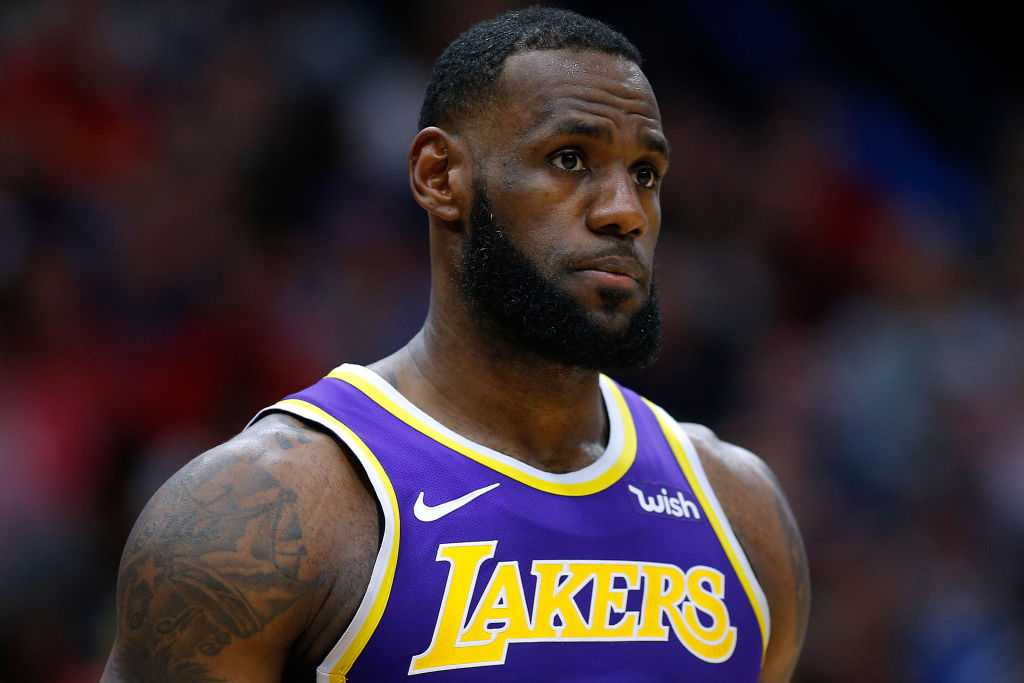 LeBron James launches attack at Lakers players over 'playoff distraction'