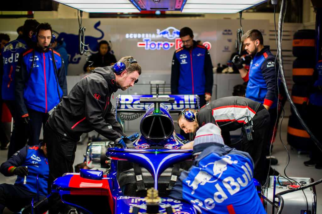 AUDIO: Honda engine fired up for first time ahead of 2019 F1 season