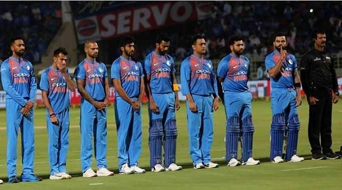 Virat Kohli urges crowd to remain silent
