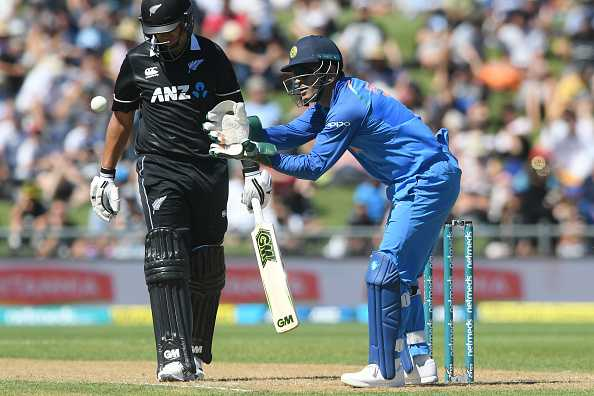 ICC posts warning regarding MS Dhoni's wicket-keeping