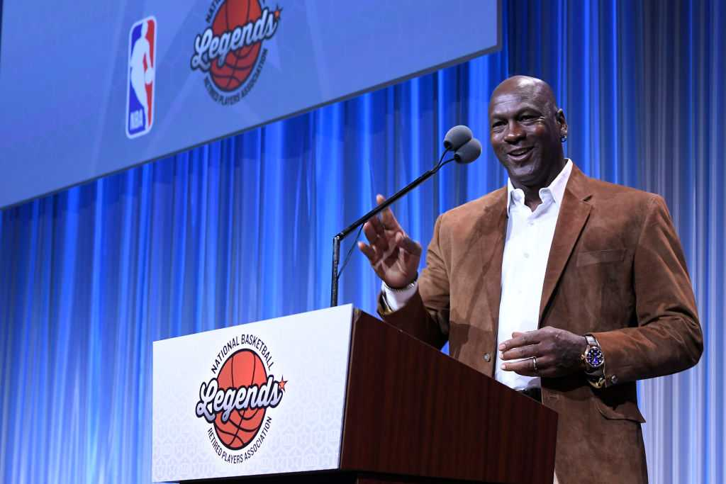 Michael Jordan releases statement on LeBron James breaking his NBA scoring record