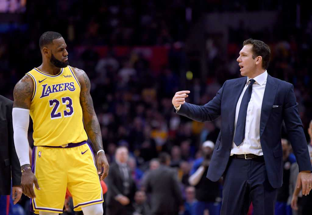 Lakers put minute restriction on LeBron James for rest of the NBA season