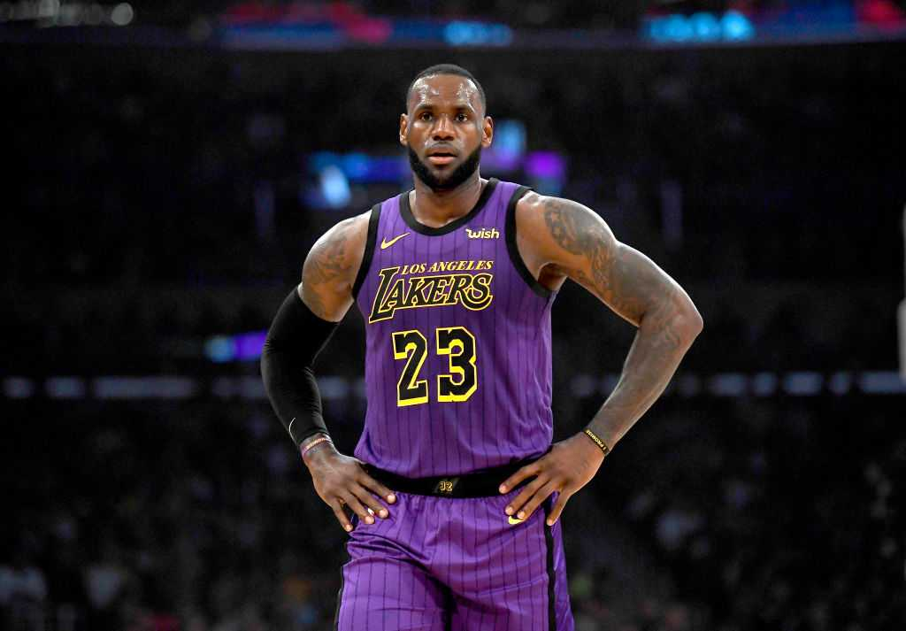 LeBron James took first bus out of arena after shock Suns loss