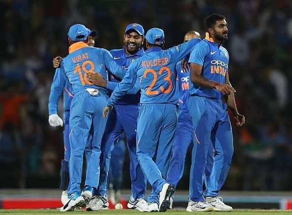 Twitter reactions on Vijay Shankar's double-wicket last over