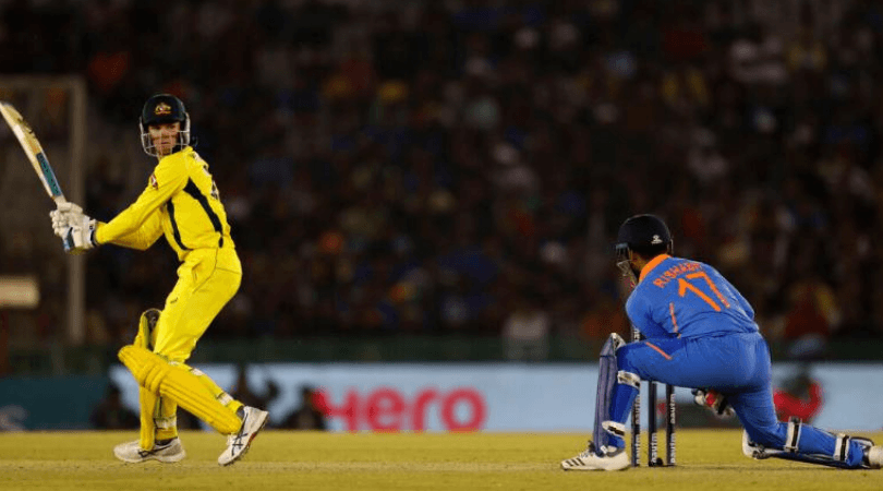 Crowd chants for MS Dhoni after Rishabh Pant falters