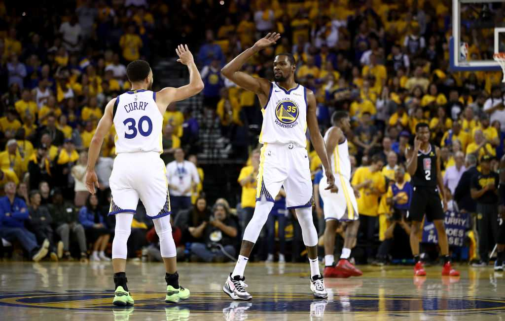 """""""Kevin Durant, you may try, but you cannot shoot better than Stephen Curry"""": When 'The Chef' took down 'The Durantula' in a shoot-around post practice"""