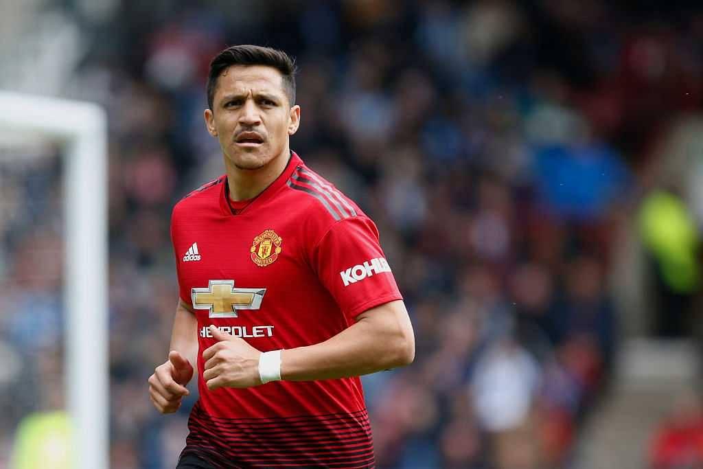 Alexis Sanchez: Patrice Evra calls Manchester United star 'money-minded'