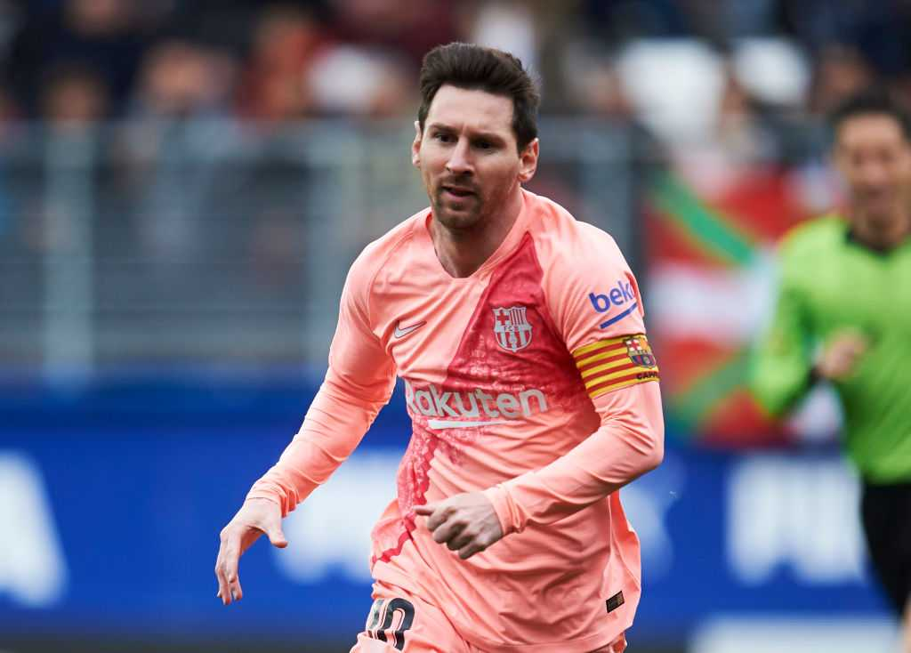 Barcelona transfer news: Catalan club offers €160 million and two players for Lionel Messi successor