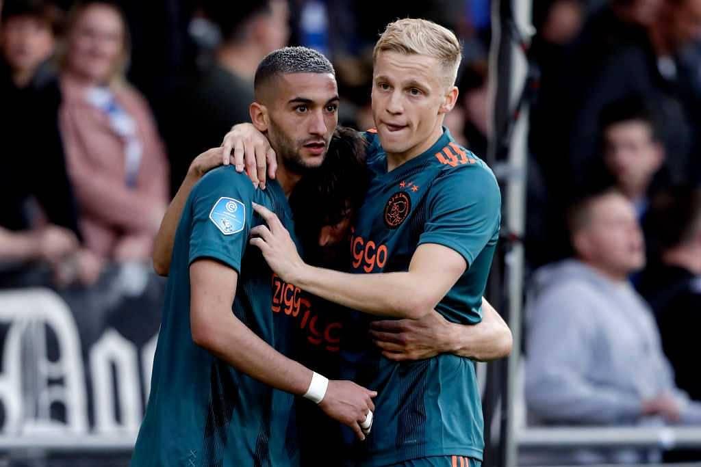 Manchester United Transfer News: Ajax midfielder shows interest in Man United move