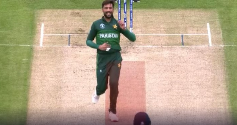 WATCH: Mohammad Amir receives warnings from umpire for running on pitch during India vs Pakistan match