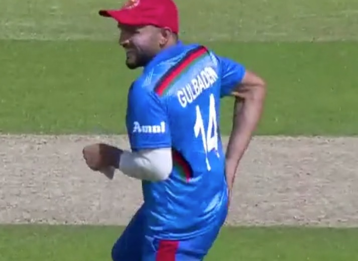 Gulbadin Naib takes a severe blow on his buttocks due to casual throw from Rashid Khan during Pakistan vs Afghanistan World Cup match