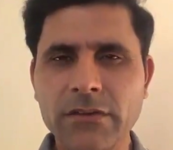 WATCH: Pakistan's Abdul Razzaq offers to provide coaching services to Hardik Pandya post India vs West Indies match   Cricket World Cup 2019