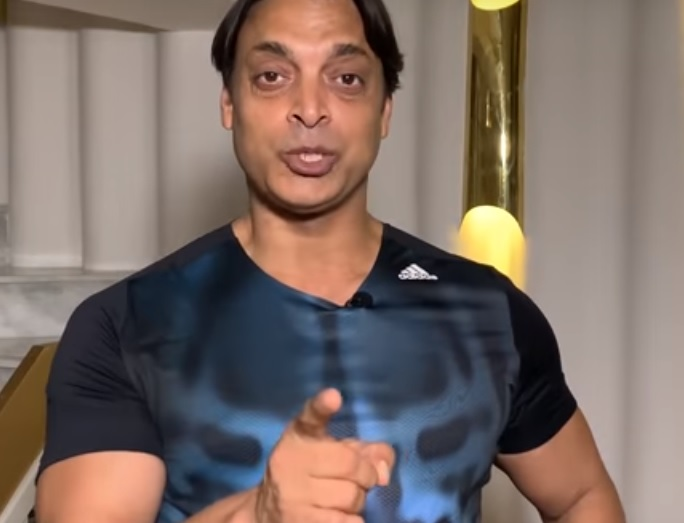 Shoaib Akhtar urges Pakistani fans in England to support the Home team during India vs England 2019 World Cup match