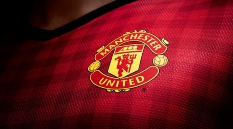 Man Utd News: Manchester United star finally agrees to stay at Old Trafford