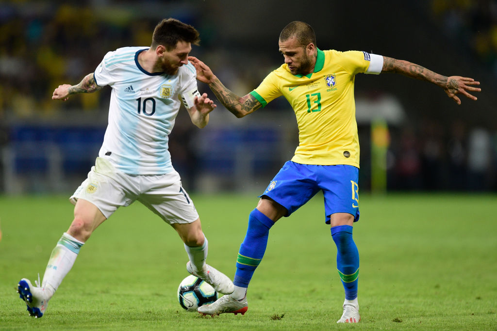 Dani Alves slams Lionel Messi after his remarks against Brazil and referees