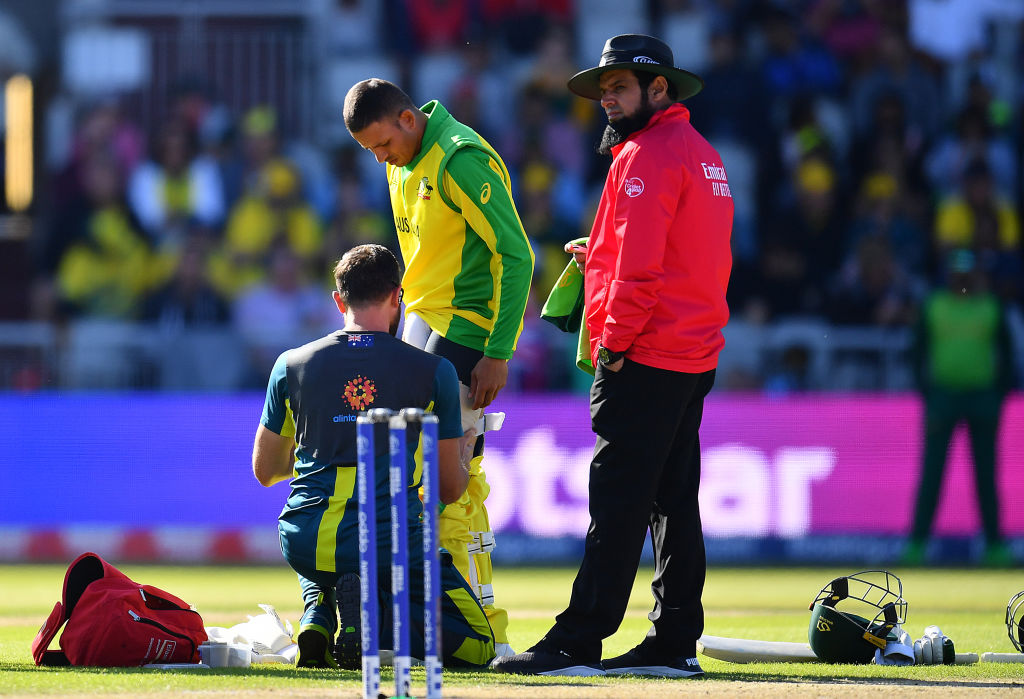Usman Khawaja retires hurt while batting due to a massive injury scare during Australia vs South Africa 2019 World Cup match