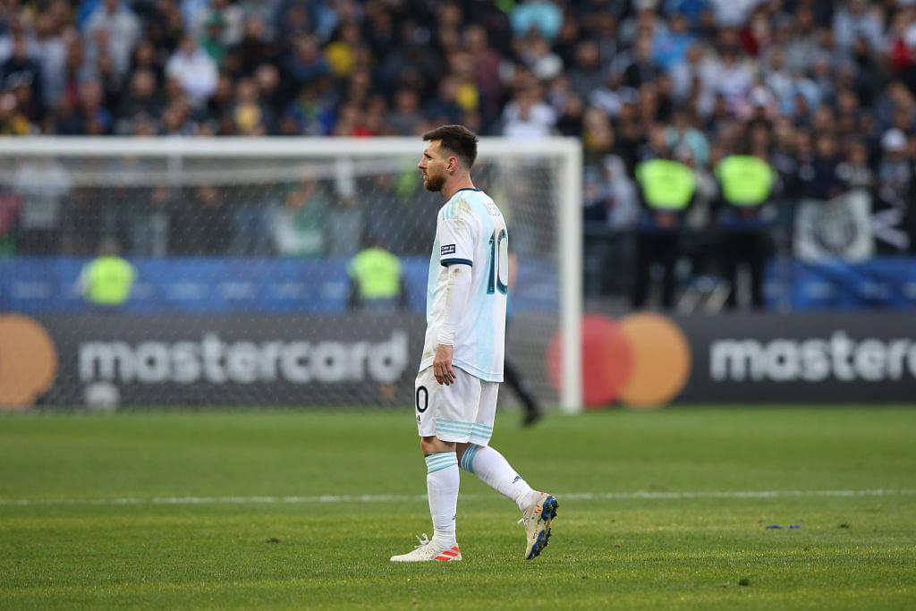 Lionel Messi refuses contract renewal until Barcelona meets his demand