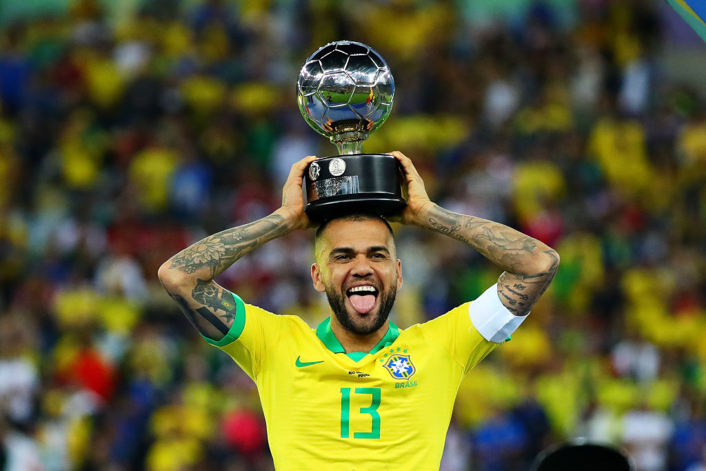 Dani Alves is ready to take a pay cut to join Arsenal