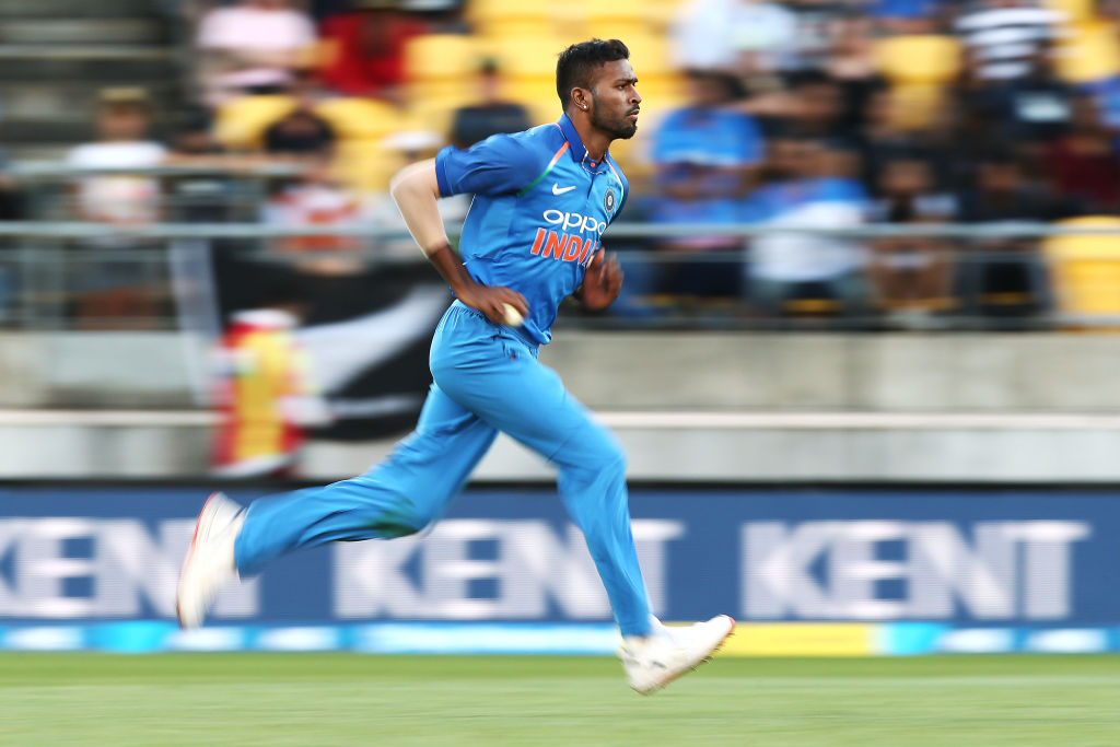 Hardik Pandya injury: Indian all-rounder walks off the field during semi-final vs New Zealand