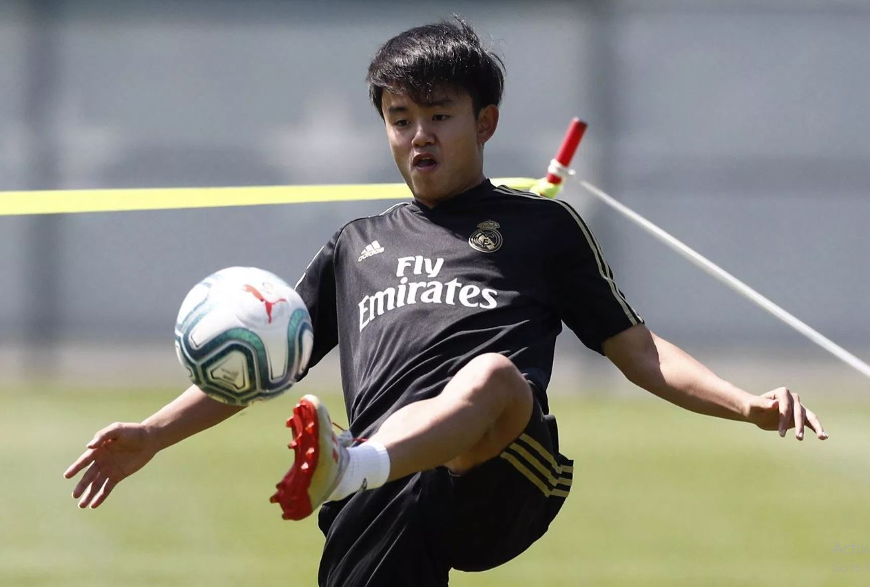 Real Madrid News: Los Blancos new signing takes huge jibe at Barcelona