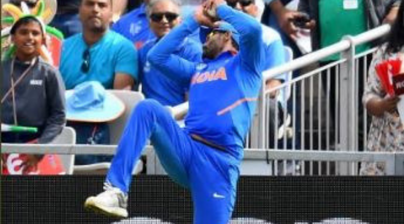 Ravindra Jadeja catch vs New Zealand: Watch Jadeja grab excellent catch in the deep to dismiss Tom Latham | India vs New Zealand