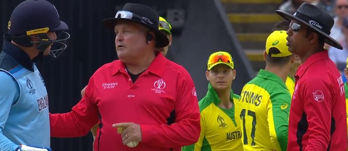 WATCH: Jason Roy argues with umpire Kumar Dharmasena after latter rules him Out during Australia vs England semi final match