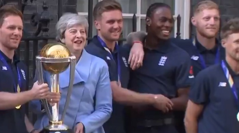 WATCH: Jofra Archer pokes fun at Jason Roy during photo shoot with England's Prime Minister