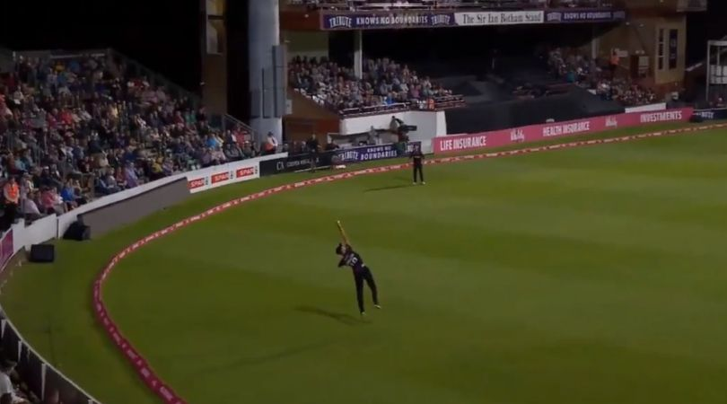 AB de Villiers dismissal vs Somerset: Watch Max Waller grabs exceptional one-handed catch to dismiss de Villiers