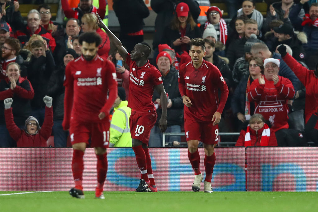 Roberto Firmino hilariously reacts to being stood between Mohamad Salah and Sadio Mane in Burnley tunnel