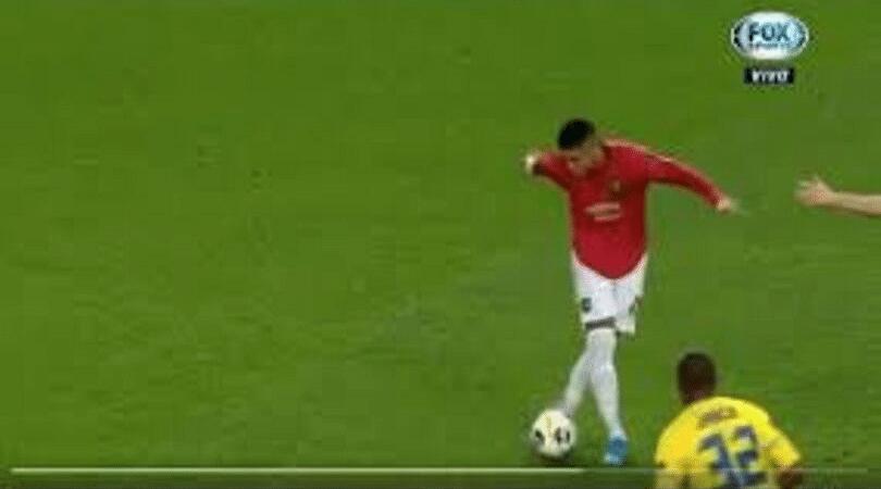 Marcus Rojo attempts a Rabona cross in the Man United vs Astana match