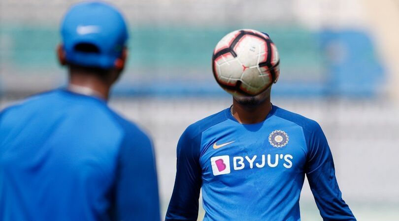 BCCI posts a photo of Indian player with covered face, Pandya gives hilarious reply