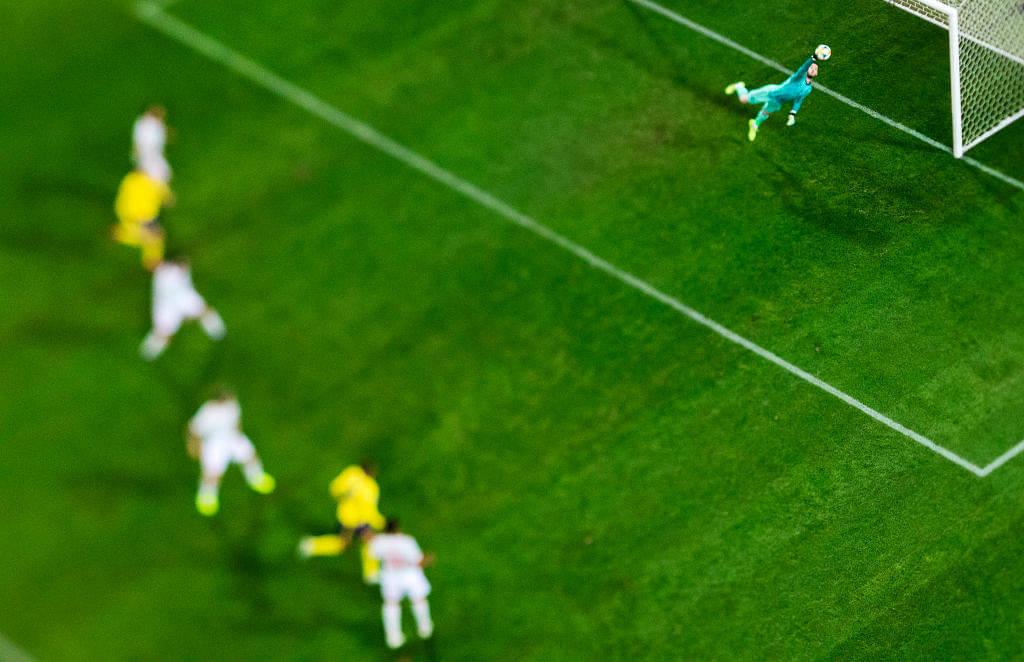 David De Gea pulls a magnificent save against Sweden in European qualifier match